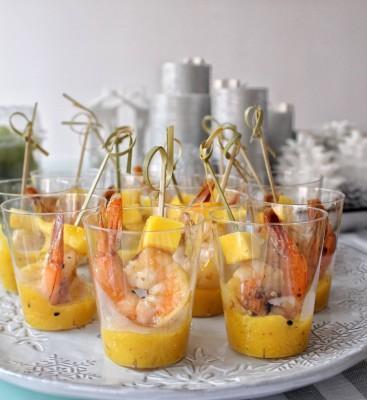 Креветки с манго в манговом соусе
