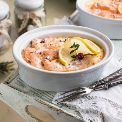 филе лосося в соусе