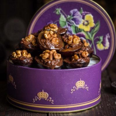 Конфеты из сливы с шоколадом