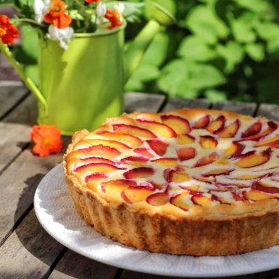 пирог с нектаринами